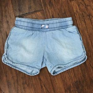 Little girls size 5T cat & jack denim shorts